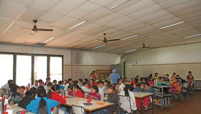 Servicio. Los consejos escolares manejan los recursos. Vidal quiere que lo hagan los intendentes.