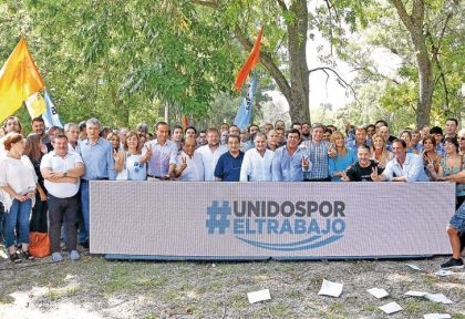 20170415_1195_politica_En-San-Vicente-el-Peronismo-renovo-su-unidad-y-llamo-a-luchar-por-el-trabajo.jpg