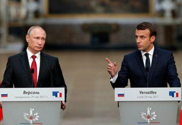 Vladimir Putin y Emmanuel Macron en conferencia de prensa