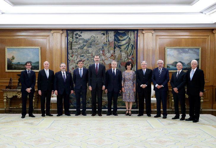 Ricardo Lorenzetti junto al Rey de España, los rectores de la la Unión Iberoamericana de Universidades (UIU) y presidentes de las Cortes Supremas y Constitucionales de Iberoamérica.