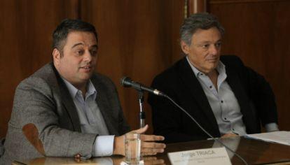 El ministro de Trabajo, Jorge Triaca, y el de Producción, Francisco Cabrera.