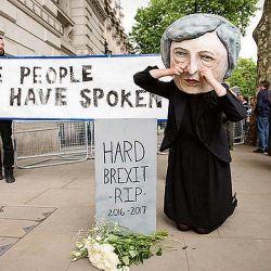 may-mantendr-calendario-brexit-pese-a-reves-en-las-urnas