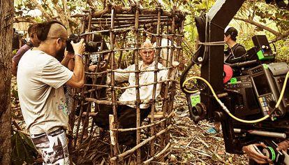 Acción. Andrés Parra es Juan de Salas. Lo marca el director Riccardo Gabrielli. Vicuña es Agustín. La reina Margarita, la China Suárez. Todos en pleno rodaje de Sitiados II.