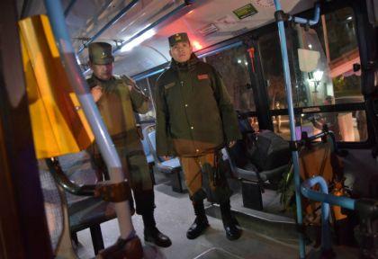 Gendarmería y policía custodiaron a los transportes que desafiaron el paro