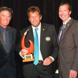 Premio x mayor cantidad de miembros reclutados en 2014 - der a izq Andy Mill Gozio y Rob Kramer (Presidente IGFA)