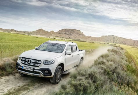 Mercedes Benz lanzó comercialmente la camioneta que fabricará en Córdoba