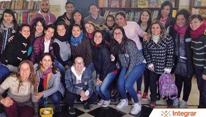 Equipo. Las personas que forman la Fundación Integrar realizan cursos juntos a otras organizaciones como Lider.ar, para brindar un mejor acompañamiento educativo.