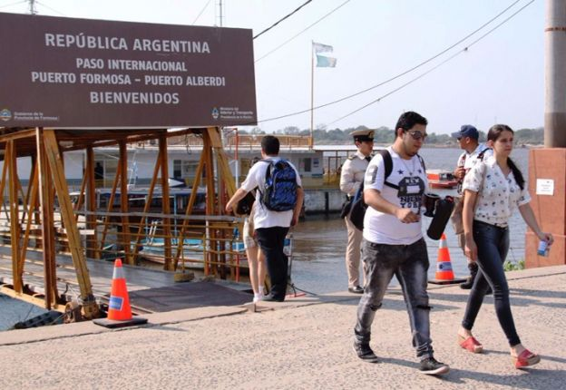 """""""La persona que vive fuera del país tiene que votar en un consulado"""", subrayó la ministra de Seguridad, Patricia Bullrich."""