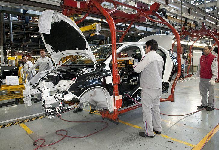 Sigue el tobogán de la producción automotriz: cayó 37,5% interanual en agosto