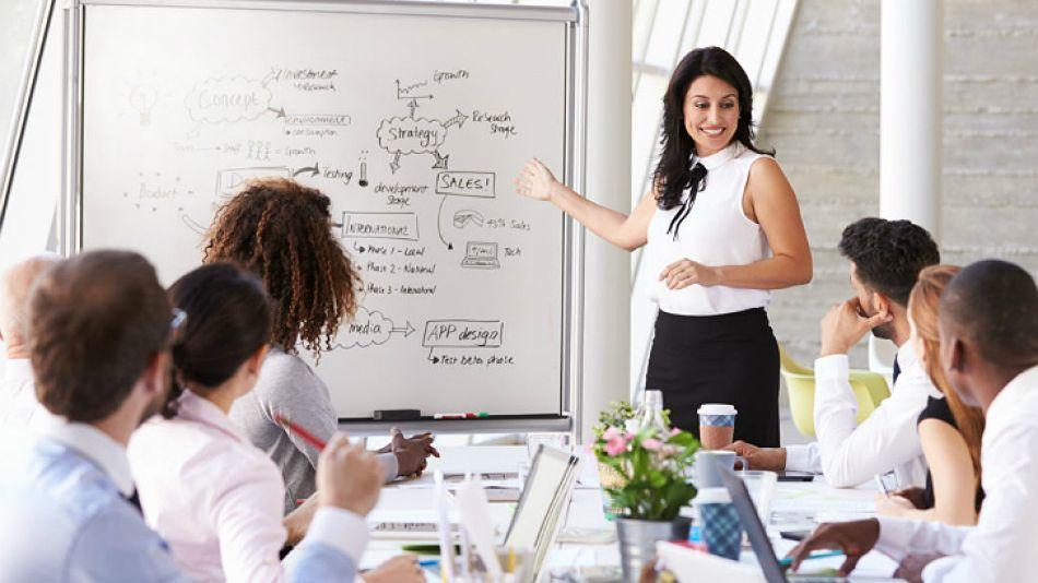 Mujeres en puestos directivos.