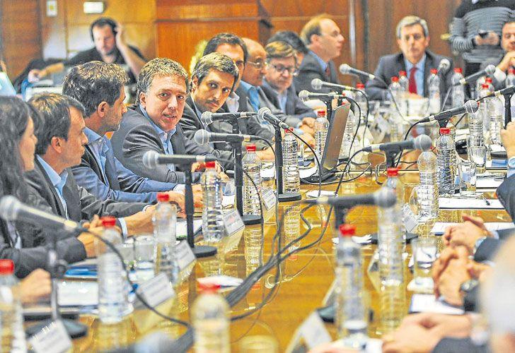 RESPONSABILIDAD FISCAL. El ministro Dujovne, reunido con sus pares provinciales semanas atrás.