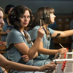 16) Cable Girls
