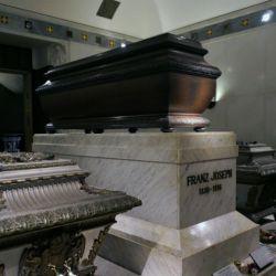 Cementerios_y_cripta_54781914(7)