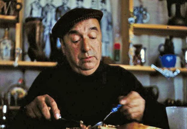 Neruda falleció en una clínica de Santiago a pocos días del golpe de Estado en septiembre de 1973.