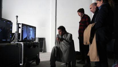 (Archivo, 2014) Sergio Massa revisa los spots de campaña grabados junto al publicista Ramiro Agulla.
