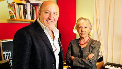 La conversación. Martín Bauer (música), director del Teatro Argentino de la Plata, y Beatriz Sarlo (letra) ultiman detalles para los conciertos del fin de semana.