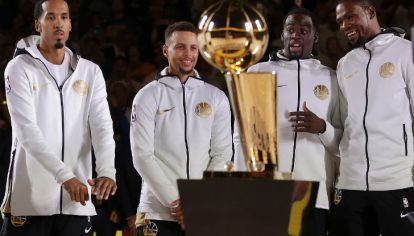 """Warriors, uno de los """"superequipos"""" de la NBA"""