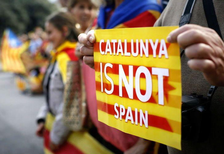 El delirio catalán se encamina a superar el Brexit