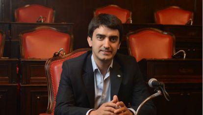 Hernán Albisu aseguró que decidieron apartes del bloque por decisión propia y pidió debate al interior del PJ.
