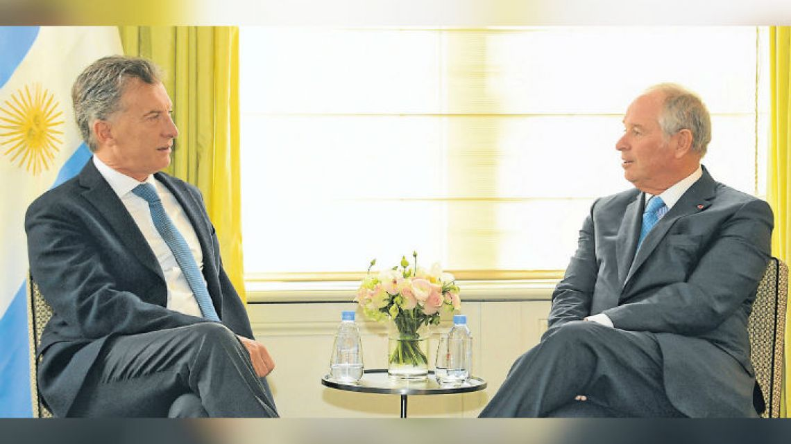 President Mauricio Macri meets with Stephen Schwarzman, CEO and founder of the Blackstone Group.