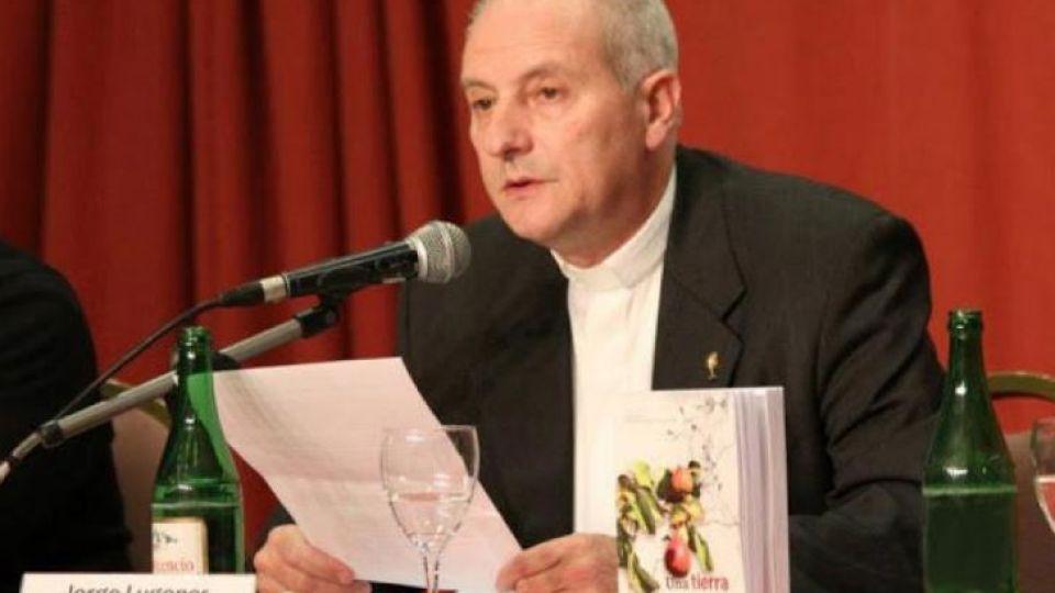 Monseñor Jorge Lugones.