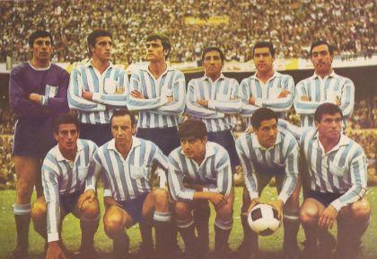 El Racing de José. Salió campeón mundial en 1967, cuando los hinchas de fútbol todavía eran civilizados.