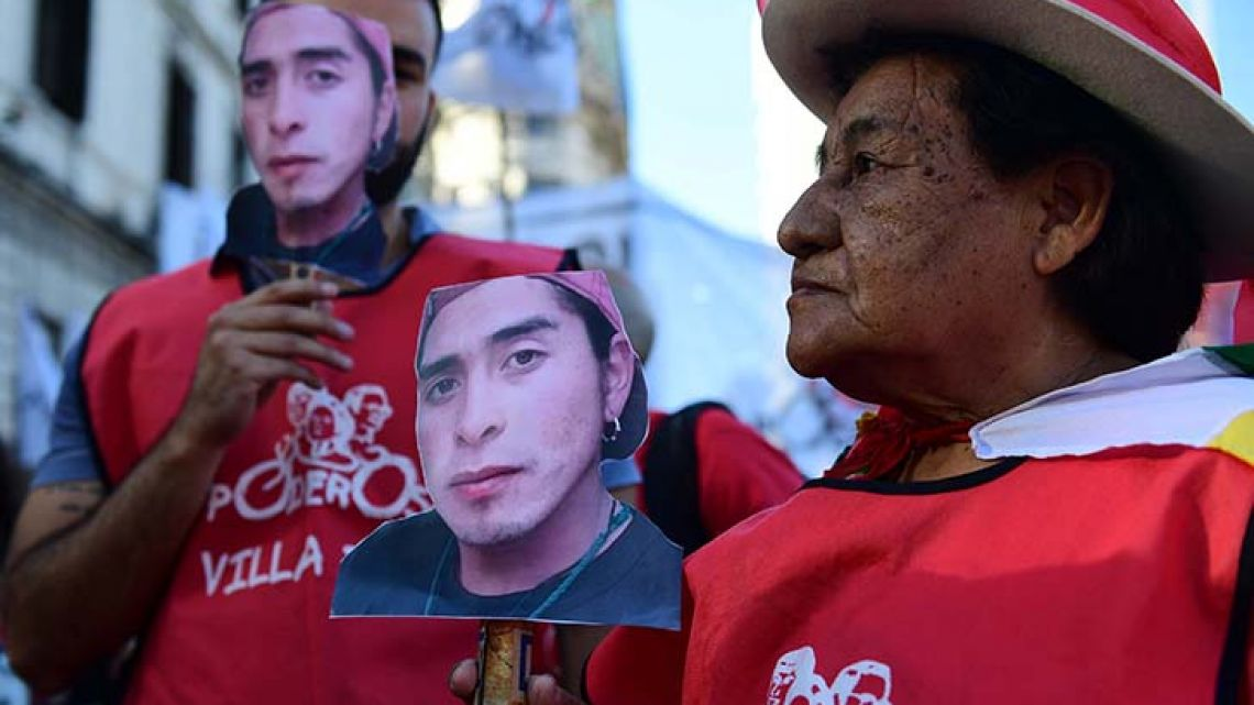 Protestors marched on Plaza de Mayo this Sunday to speak out against the death of Rafael Nahuel, who died of bullet wounds on Saturday in Bariloche.