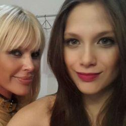 Nazarena y Barbie Velez