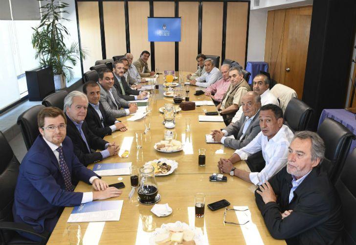 La reunión del Gobierno con la CGT para pactar las reformas.