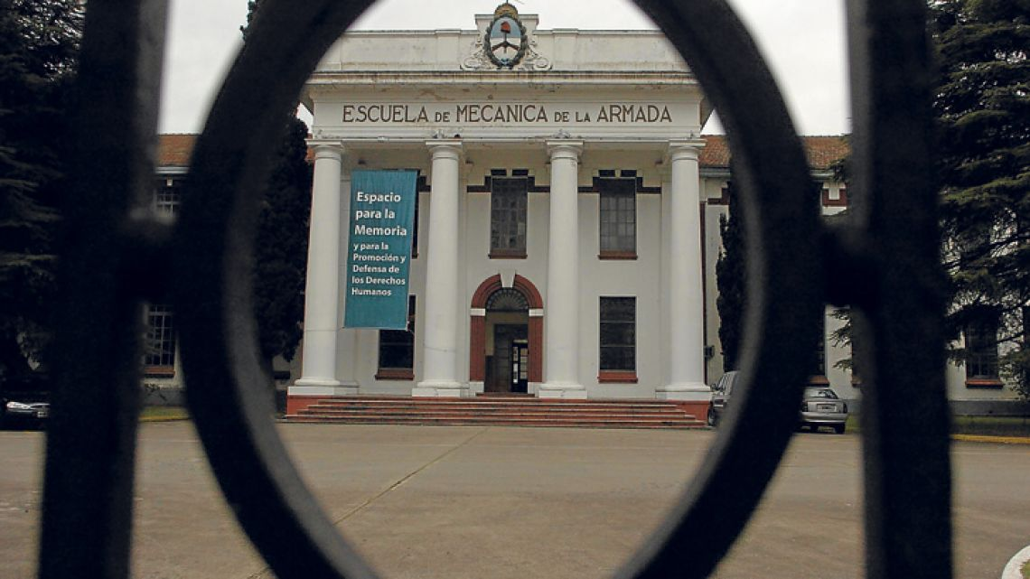 The Argentine public has absorbed the horrors of ESMA with the two extremes of memory and oblivion.