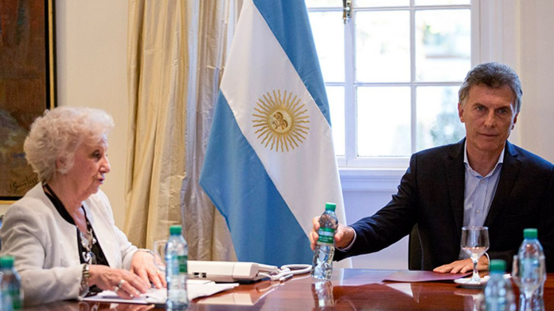 Grandmothers of Plaza de Mayo president Estela de Carlotto met with President Mauricio Macri in early 2016 amid tensions over the incoming governments attitude toward human rights.