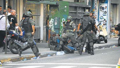 Calle. La represión tenía un mensaje: la protesta social es y será criminalizada.