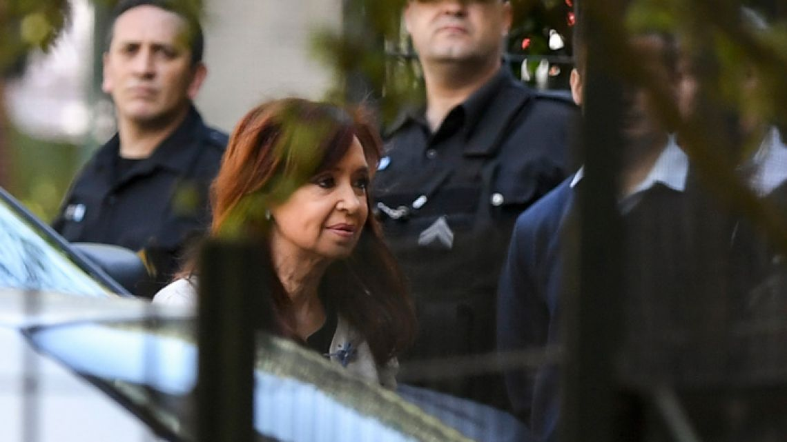 Former president Cristina Fernández de Kirchner arrives at the Comodoro Py courthouse in this file photograph.