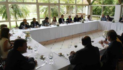 El gobierno nacional se apoya en los jefes provinciales para avanzar con las decisiones que más necesita.