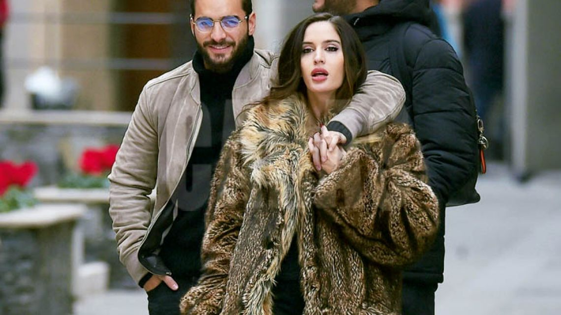 exclusive-maluma-packs-on-the-pda-with-natalia-barulich-in-portofino