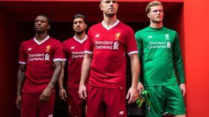 db55ccf000 Inglaterra. La camiseta del Liverpool en homenaje a The Beatles