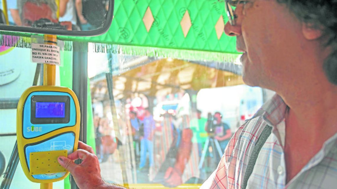 On buses, the average jump is around two pesos, from six pesos to eight pesos.