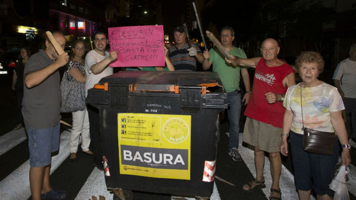 Power outages in Buenos Aires City and Greater Buenos Aires are so common that users regularly block streets in protest.