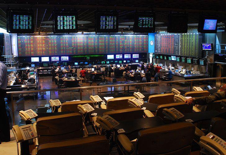 Se hunde el Merval arrastrado por acciones energéticas y bancos — Crisis financiera