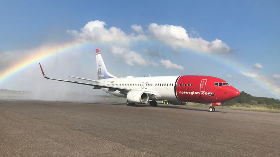 Norwegian Air's Astor Piazzolla-themed Boeing 737-800.