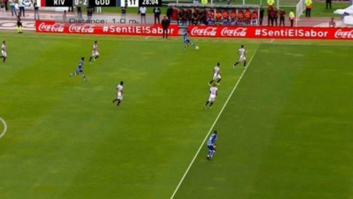A screenshot showing the offside positioning of Godoy Cruz's Santiago García just before he scores the club's second goal of the game.