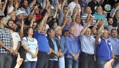 Juan Grabois, Sonia Alesso, Hugo Moyano, Hugo Yasky y Sergio Palazzo entre otros dirigentes presentes en el palco.