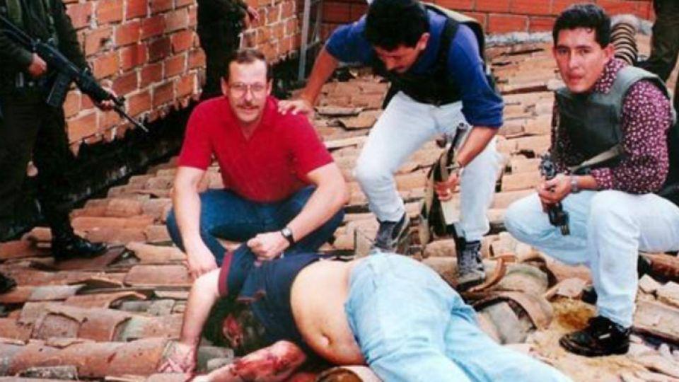 Escobar murió abatido por 15 agentes en Medellín.