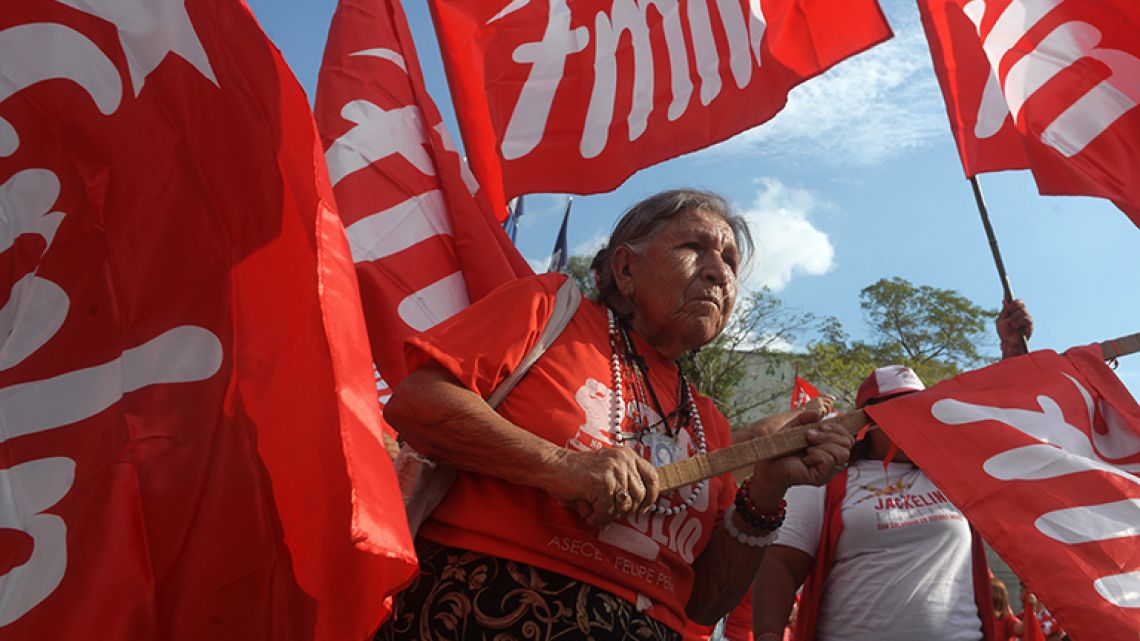 Supporters of the Farabundo Marti National Liberation Front (FMLN) participate in a political rally at the Gerardo Barrios square in San Salvador on February 25, 2018.