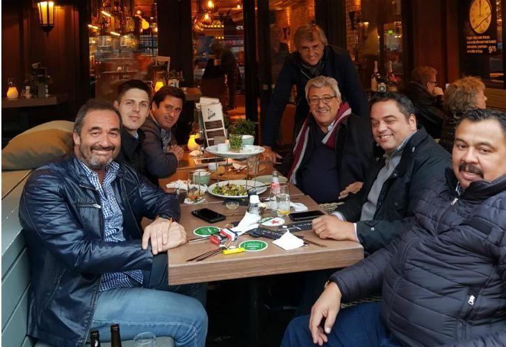 La diligencia cenando en Holanda tras un encuentro con el CES de ese país.