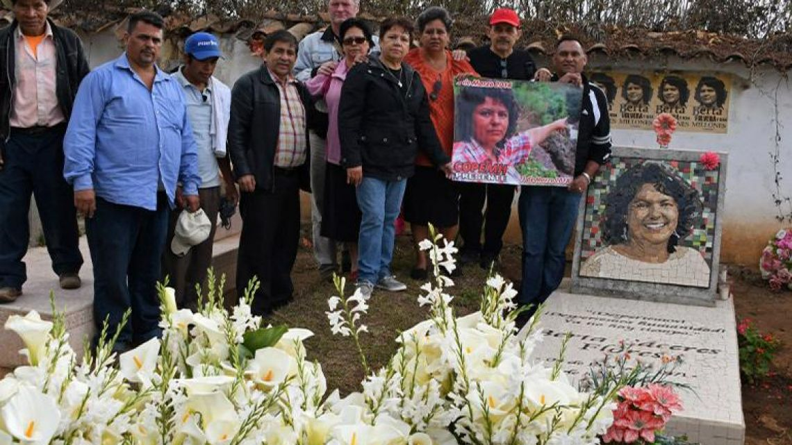 Relatives and friends grieve at indigenous environmentalist Berta Caceres grave in La Esperanza, Honduras, on March 3, 2018.