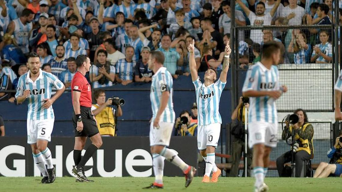 Racing striker Lautaro Martínez, second right, celebrates after scoring against Brazilian club Cruzeiro in the Copa Libertadores last Tuesday.
