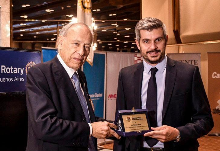 Marcos Peña junto a Luis Ovsejevich, presidente del Rotary Club de Buenos Aires
