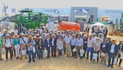 Visita. A Expoagro, de delegados agrícolas del grupo. La seguridad alimentaria es prioridad.