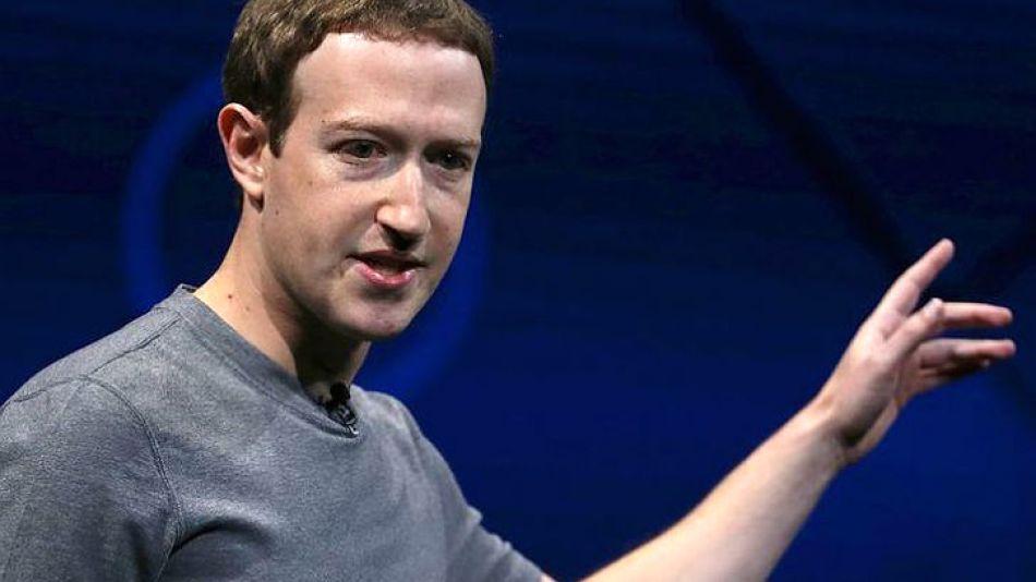 Zuckerberg y Facebook, en problemas.